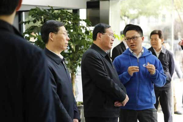 上海市委书记李强调研高顿教育