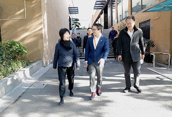 虹口區委書記郭芳一行蒞臨高頓教育考察指導:推進企業高速度高質量發展