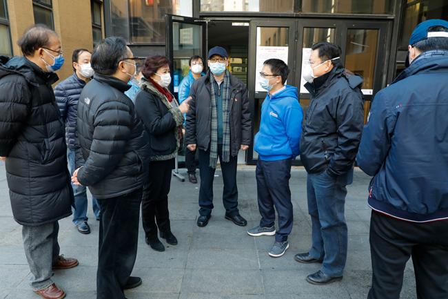 上海虹口区政协主席石宝珍一行到高顿教育视察复工期间疫情防控工作