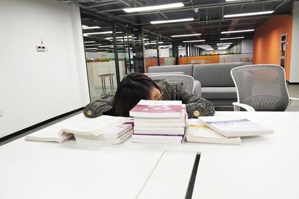 高龄学员CMA中文考经分享,6个月全科轻松通过