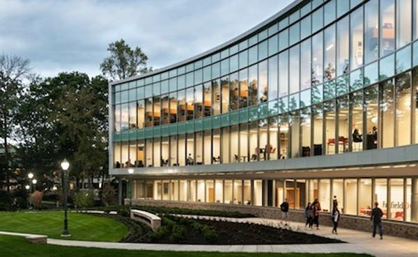 在费尔菲尔德大学多兰商学院:与全球商业翘楚对话